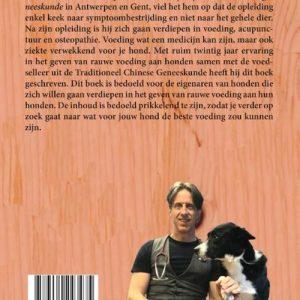 Boek de rauwe waarheid over de voeding van je hond. Geschreven door dierenarts Erwin van Gijtenbeek